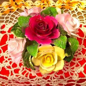 Vintage porcelain flower 🌹 bouquet 💐